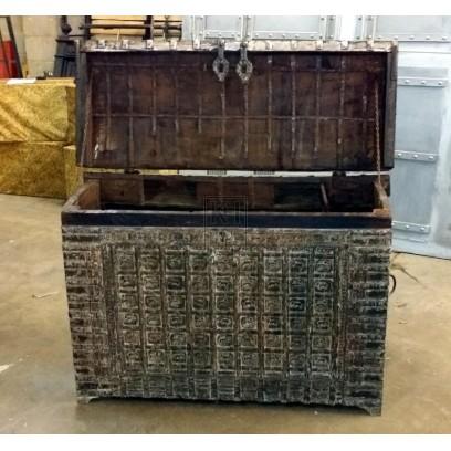 Large wood ornate damachiya chest